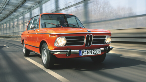 BMW 2002 in Inka-Orange