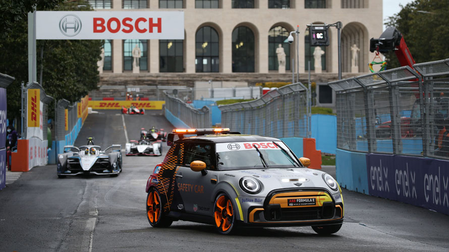 MINI Electric Pacesetter inspired by JCW, FIA Formula E Safety Car